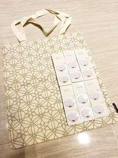 全新限量版專櫃直送雪花秀 Sulwhasoo 可上膊帆布Tote Bag (Size約: 長34cm x 高37cm x 肩帶約55cm) and Sample 緻美氣墊粉底 Perfecting Cushion Foundation SPF50+ PA+++ 附粉樸 (Colour: No. 21 Medium Pink and 23 Medium Beige) x 6