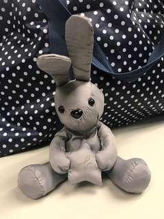 Agnes b. Delices限定兔仔