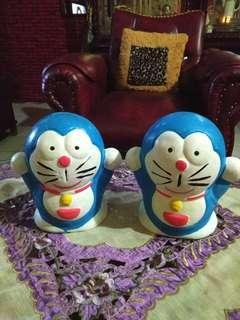2 pcs celengan boneka Doraemon tanah liat