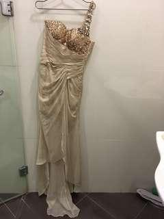 Jerome Salaya Ang Gold one shoulder gown