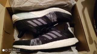 85%新Adidas Ultraboost ST