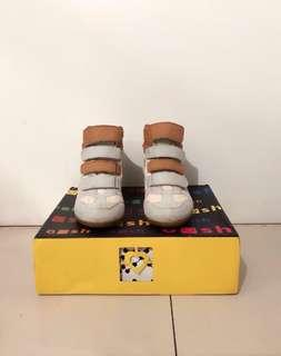 Sepatu Gosh / sneakers / wedges / boots / casual shoes