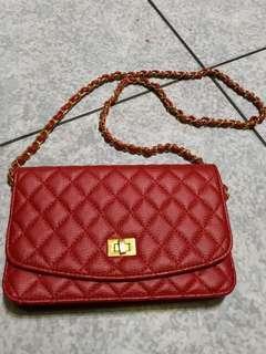 🚚 KISSME紅色側包包