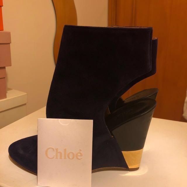 a80517b3cb6 Chloe Golden Wedge Heels Size 36.5