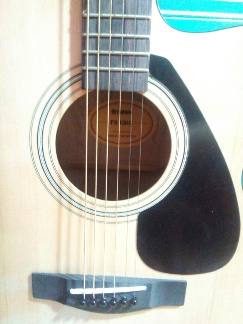 Gitar yamaha acoustic guitar FS100CNT, Music & Media