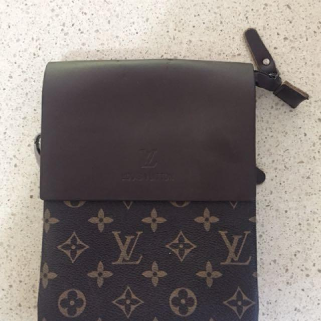 Louis Vuitton 💼