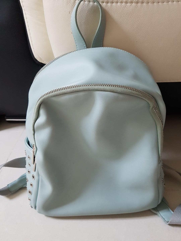 facbde6d87 Preloved Vincci Backpack