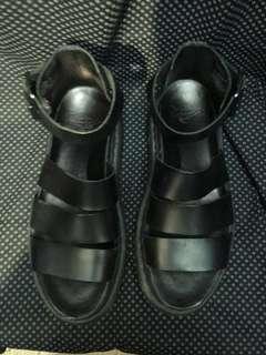 Dr Martin 涼鞋 size 39/40/41