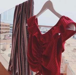 🚚 Chence紅平口荷葉綁帶上衣(不適用賣場優惠)可議