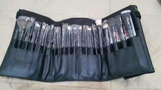 Charm Pro Make up brush set