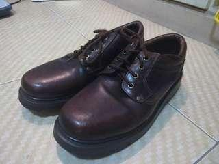 ITTI steel toe leather shoes