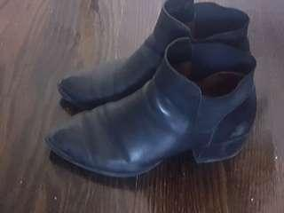 DKNY leather boots 7