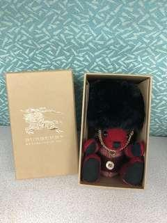 Burberry Thomas Bear Charm with red check cashmere 英國士兵造型
