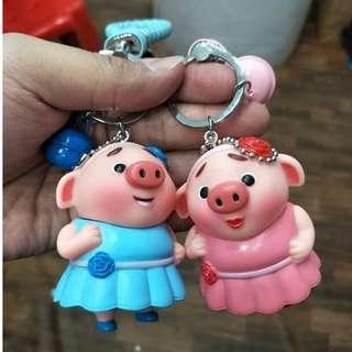 0813/M6*S2 猪猪情侣吊饰 买一送一. Buy 1 Free 1