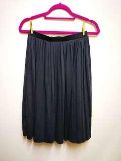 #payday30 Dark blue midi length skirt