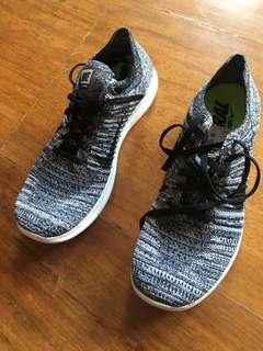 Nike Free Flyknit Running