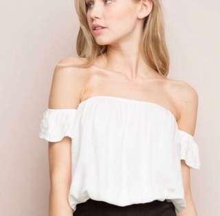 BRANDY MELVILLE BECCAH TOP IN WHITE ✨
