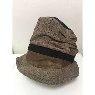 啡色拼貼漁夫帽