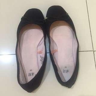 HnM flat shoes black H&M hitam 36