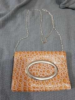 🚚 Asialux 鱷魚紋磁釦包 復古風 手拿包