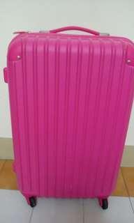 25吋粉紅色行李箱
