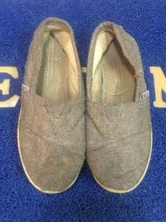 Toms Shoes for kids Size US13EUR30