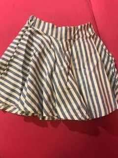 🚚 #十月女裝半價 韓版藍白相間短裙