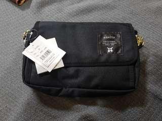 🚚 日本 anello 斜背黑色小包