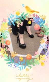 Black stilettos size 6