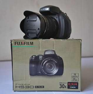 FUJIFILM FINEPIX HS30 EXR (Second)