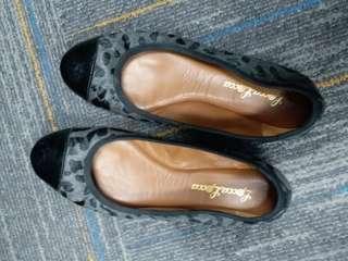二手Shu Talk Lecca Lecca女装37碼平底鞋$50, 超值! 西鐵沿線或銅鑼灣站,現金交收。或可代寄順豐。謝
