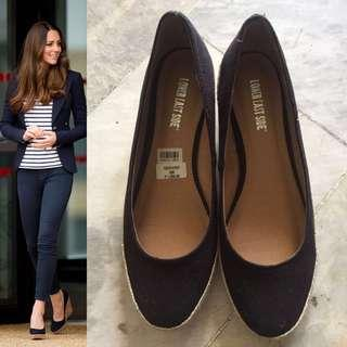 If your looking for something SIMILAR to Kate's (Black low wedge)