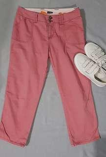 Pink cropped pants