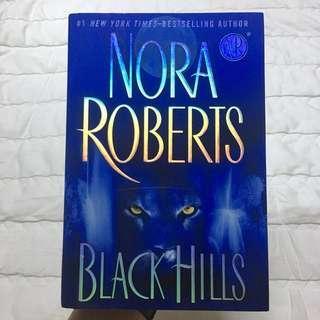 [Hardbound] The Black Hills by Nora Roberts