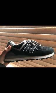New balance sports shoes - size 8