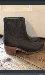 🌿🍂 Top End Leather Ankle Boots Grey/Gun Metal size 40/9 🌺🍁rrp $219