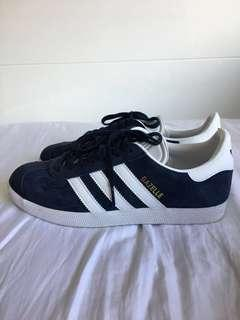 Navy Blue Gazelle