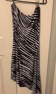 Flowy Zebra Stripped Tube Dress