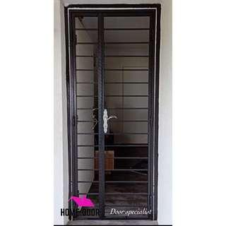HDB SOLID WROUGHT IRON GATE (3x7)