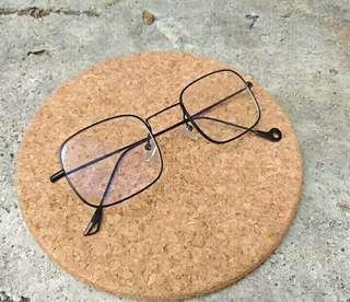 Frame kacamata klasik version