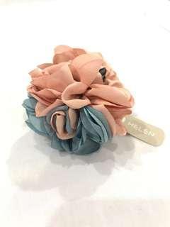 BNWT - Helen Floral Clip