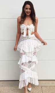 RENTING: Ixiah The New Outlaw Set in Ivory (size 6)