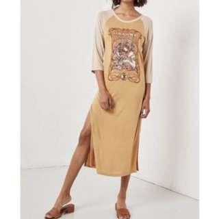 Spell designs raglan dress size small