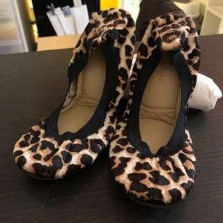 🚚 Yosi Samra摺疊鞋