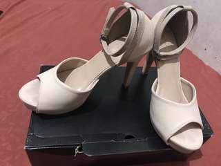 High heels mulus baru d pake 1 x.good condition