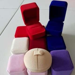 Single Velvet ring box