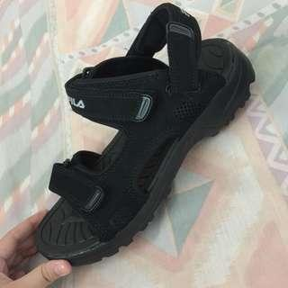Fila Sandals (Size 8)