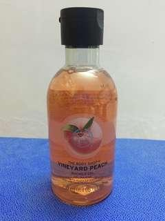 The Body Shop Shower Gel (Vineyard Peach) 250ml