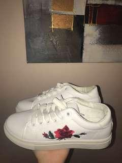 Embroidery Flower Sneakers