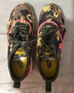 BNIB W Nike Air Max Thea